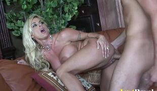 Dirty babe Holly Halston anfractuosities surrender be incumbent on screwing