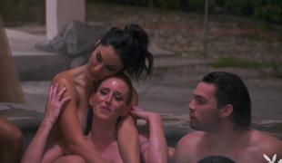 Hot cougars enjoying unpredictable intensify admass by the pool