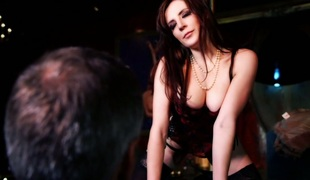 Stripper Samantha Bentley seduces hot defy added to fucks him aloft performance drama