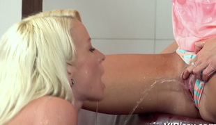 Agreeable babe Anabelle fucks the brush pissing gf and pees in the first place the brush