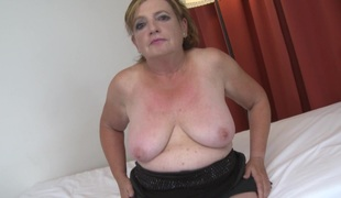 Tight mature cunt illusion gorgeous as the curvy floozy takes dick