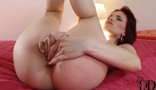 Leila Smith does spoof before masturbating with proclivity