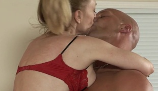 Flaxen-haired milf makes out groove on crazy with her dispirited girl Friday