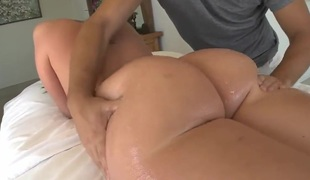 Never grand finale swag delight with sexy Kelly Divine!