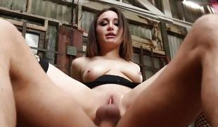 Brunette slammed in lose one's train of thought bonny muff