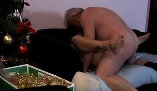 Interracial cuckold cumshot compilation Bruce a gungy age-old du